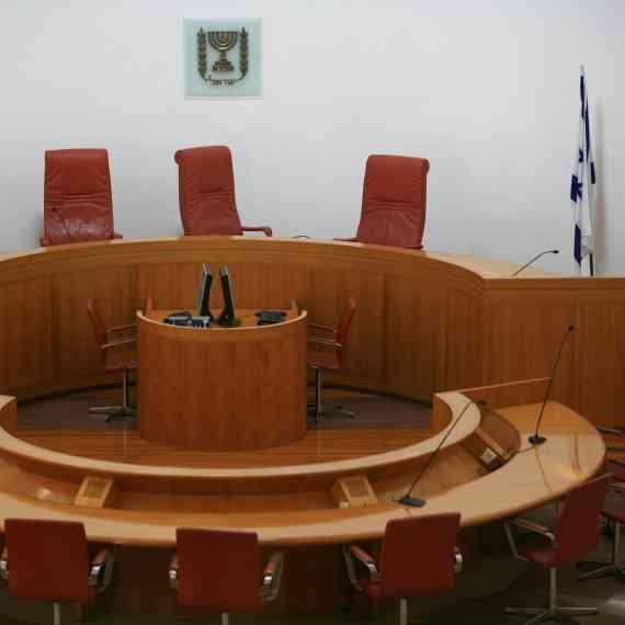 יש שופטים בירושלים