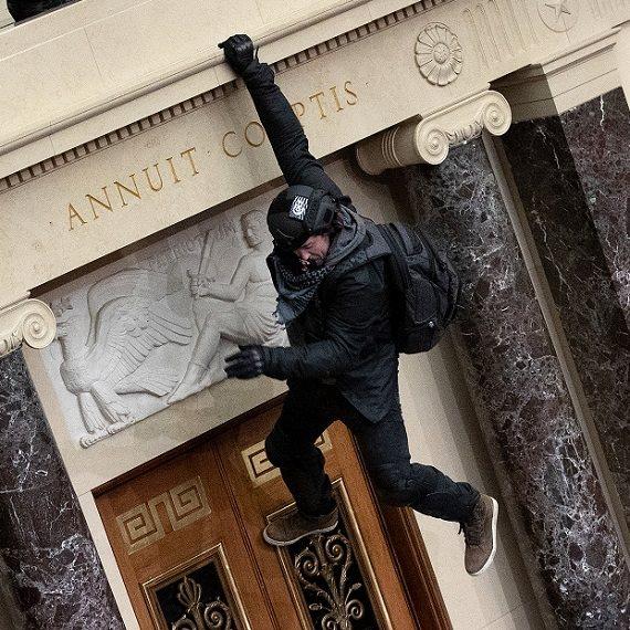 """מהומות בבניין הקפיטול אמש (ד') בארה""""ב"""