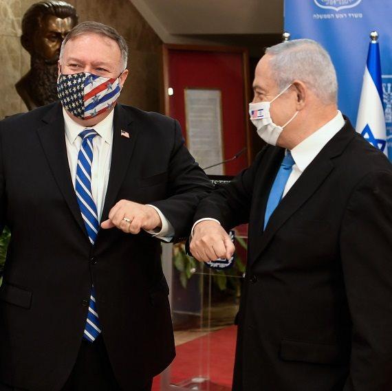 """מייק פומפאו בביקורו בישראל, לצד רה""""מ בנימין נתניהו"""