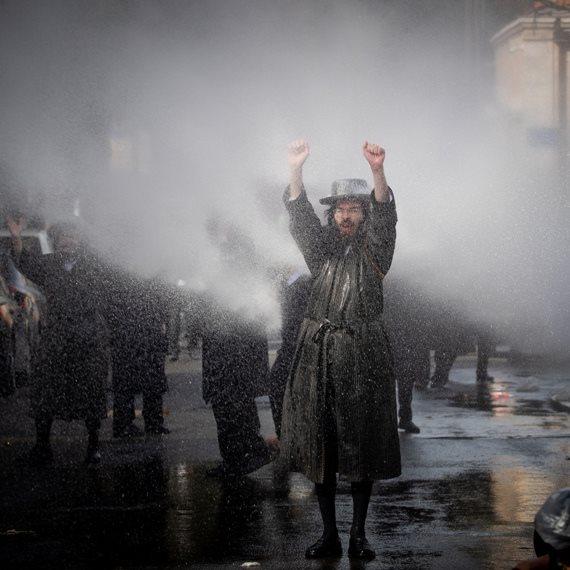 חרדים בהפגנה