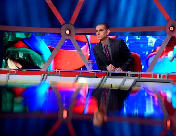 אייל קיציס, מנחה תוכנית הסאטירה 'ארץ נהדרת'