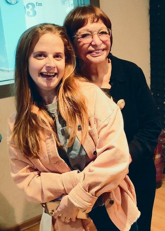 רבקה מיכאלי וגיה באר גורביץ' באולפן