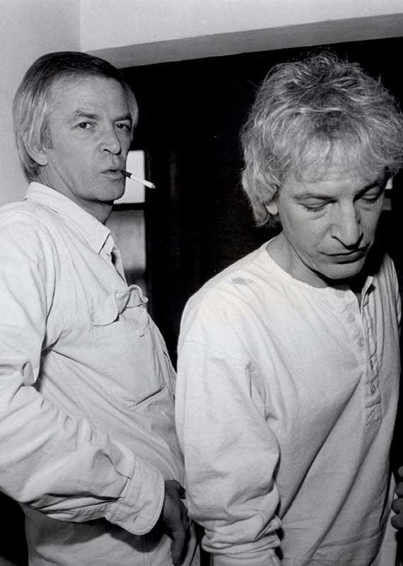 אריק איינשטיין (משמאל) ושלום חנוך, 1985