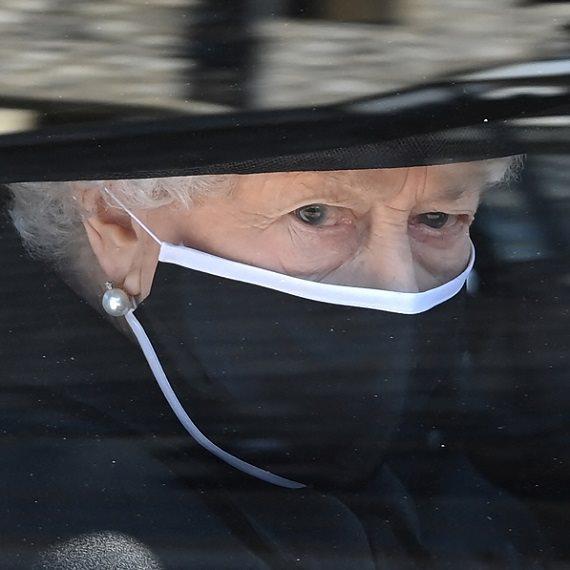 מלכת אנגליה בהלווית הנסיך פיליפ