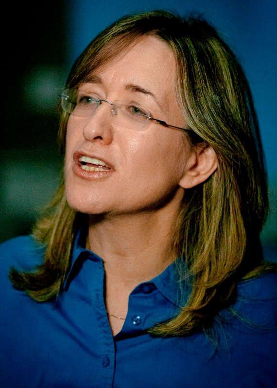 אילנה דיין, מגישת תוכנית התחקירים 'עובדה'