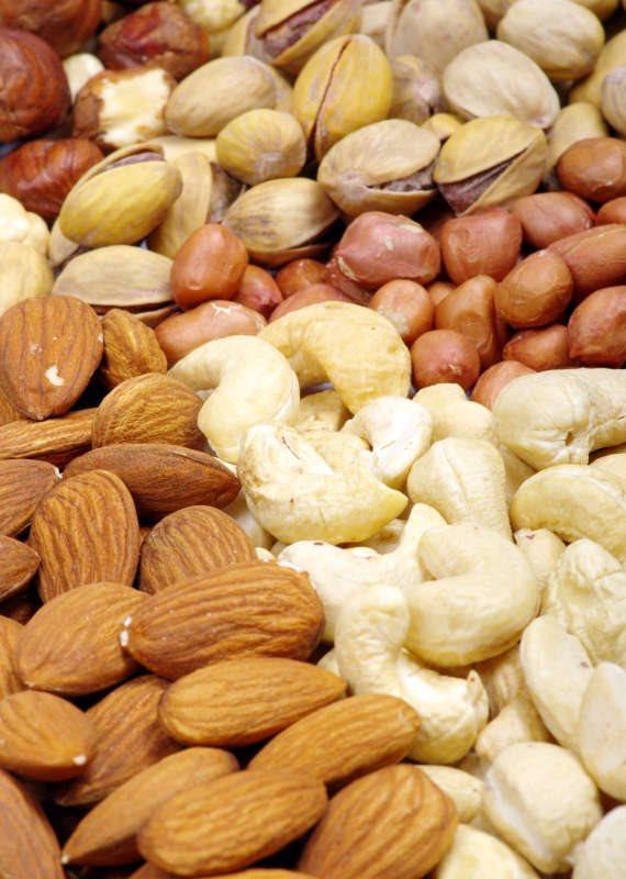 אגוזים, שקדים וסוכרים