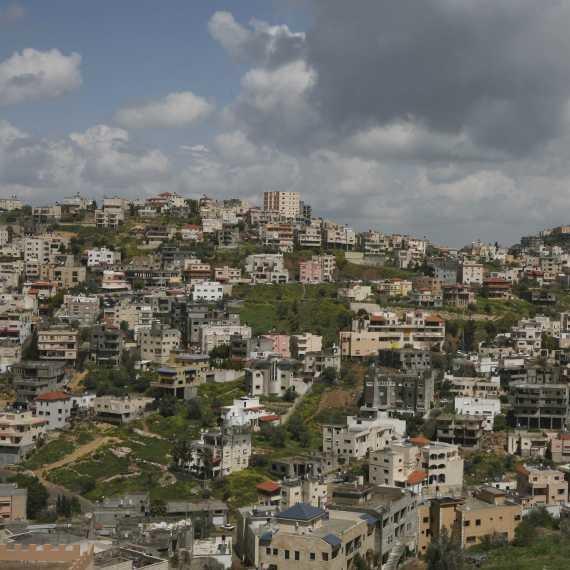 המאזין מחה על הזנחת התשתיות ופיתוח הכפרים הערבים