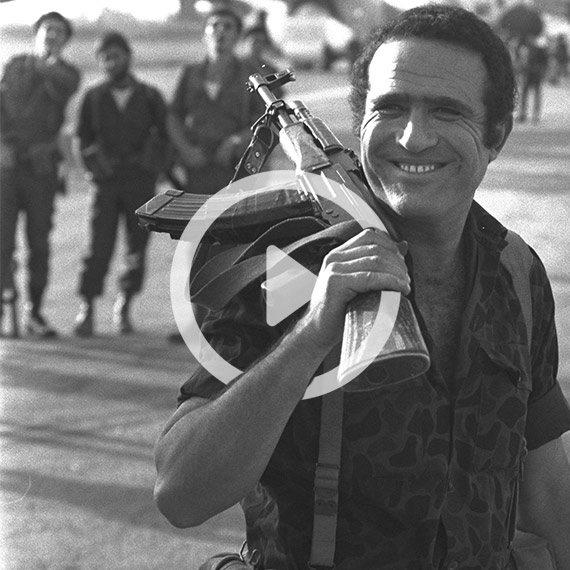 יהורם גאון בצילומי הסרט אנטבה, 1976