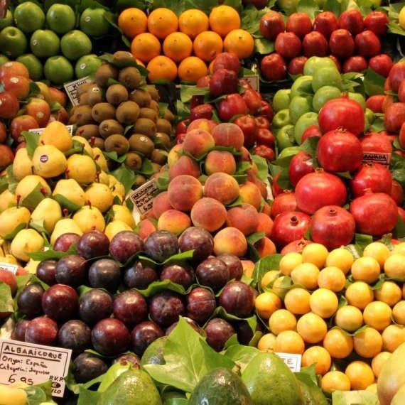 האם חשוב לאכול פירות וירקות על קליפתם?