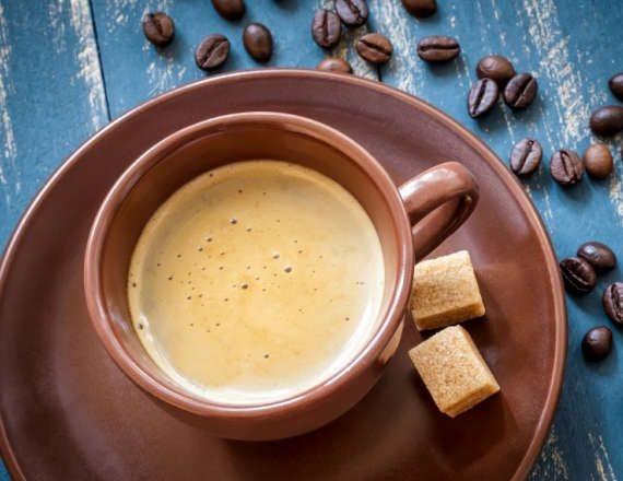 איך מכינים קפה נטול קפאין?
