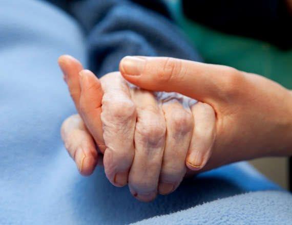 מה גורם לזיהום ביד?