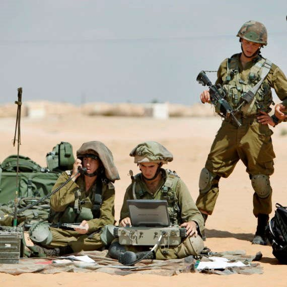 """חיילי צה""""ל (ארכיון)"""