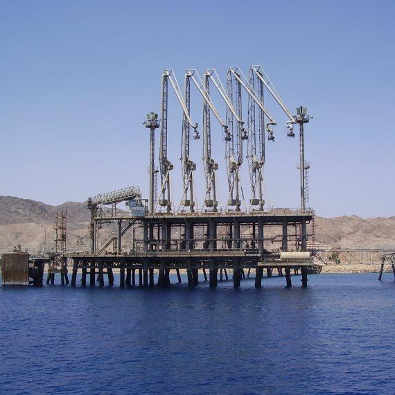 צינור נפט באילת