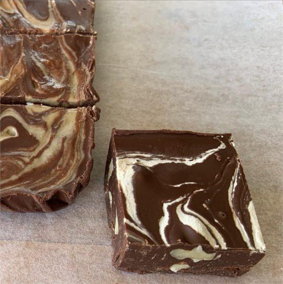 ריבועי שוקולד טחינה